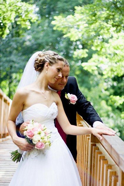 Soutěžní svatební pár číslo 24 - Petra a Ján Leškovi, Náklo