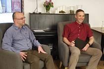 Talkshow Davida Vackeho s Milanem Hlaváčkem (na snímku vlevo).
