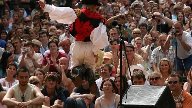 Ať se daří Slovácku uchovávat jeho kulturní a duchovní jedinečnost. Na snímku tanečník slováckého verbuňku.