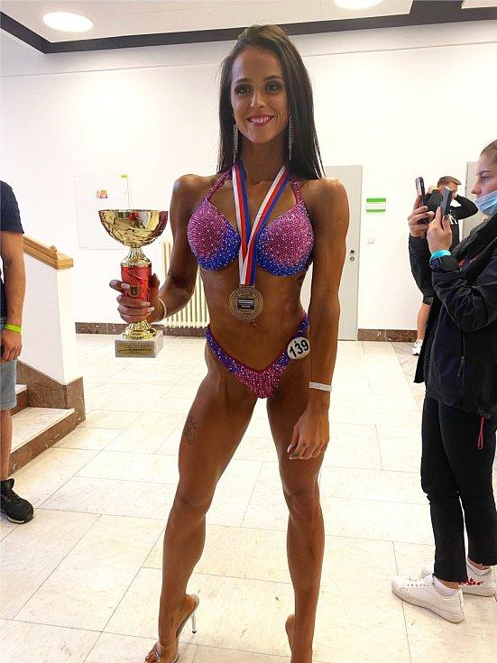 Závodit zprvu odmítala, teď je Kristýna Pauříková šampionkou v bikini fitness