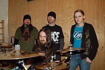 Chaos in Head pracují v těchto dnech v bzeneckém nahrávacím studiu na vzniku CD Anonymus.