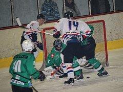 Hradišťští hokejisté (v bílém) podlehli Rosícím 2:3.