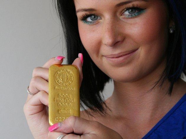 Za první čtvrtletí letošního roku se v České republice prodalo o třicet procent více investičního zlata než vloni za stejné období.