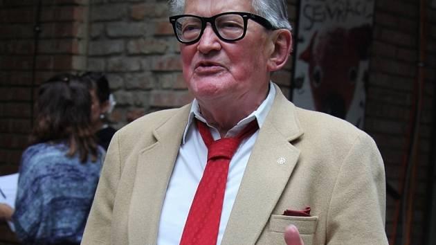 Jasného odborníci označují za jednoho z největších géniů českého filmu.