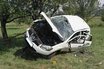 Havárie Nissanu Qashqai na silnici I/50 poblíž Bystřice pod Lopeníkem.