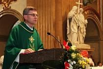 Slavnostní mši k 90. výročí úmrtí arcibiskupa Cyrila Stojana celebroval olomoucký biskup Josef Hrdlička.