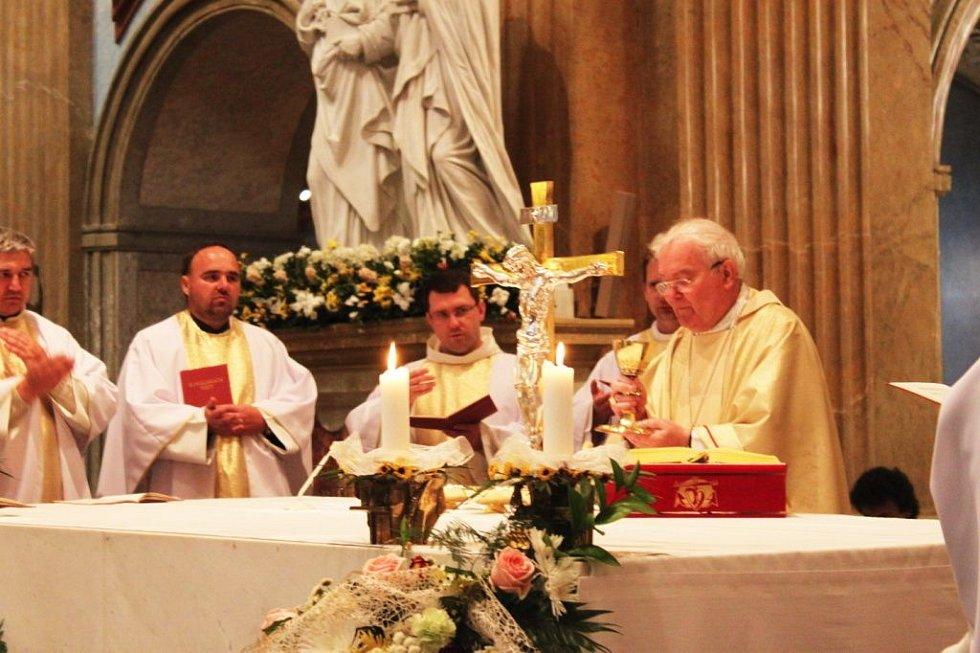 Sobotní odpolední bohoslužbu celebroval ve velehradské bazilice biskup Josef Hrdlička.