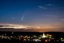 Komenta C/2020 F3 NEOWISE nad Jalubím.