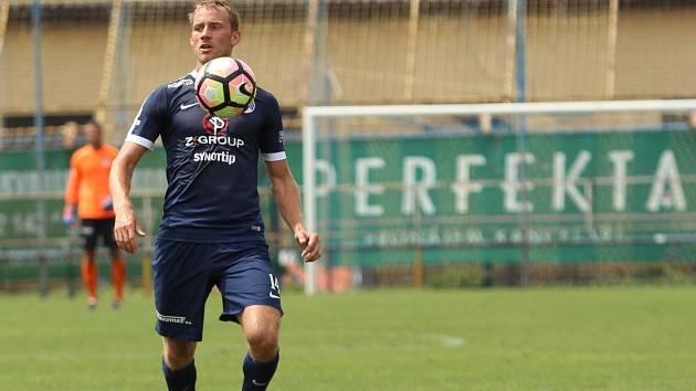 Opora zadních řad fotbalistů Slovácka Josef Divíšek