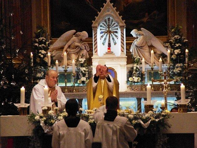 Půlnoční mše v bazilice Nanebevzetí Panny Marie a Svatých Cyrila a Metoděje na Velehradě.