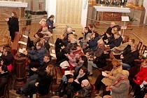 KONCERT PRO PAHOP. Ve velehradské bazilice oslavila benefičním koncertem ZUŠ Uherské Hradiště osmdesátileté jubileum.
