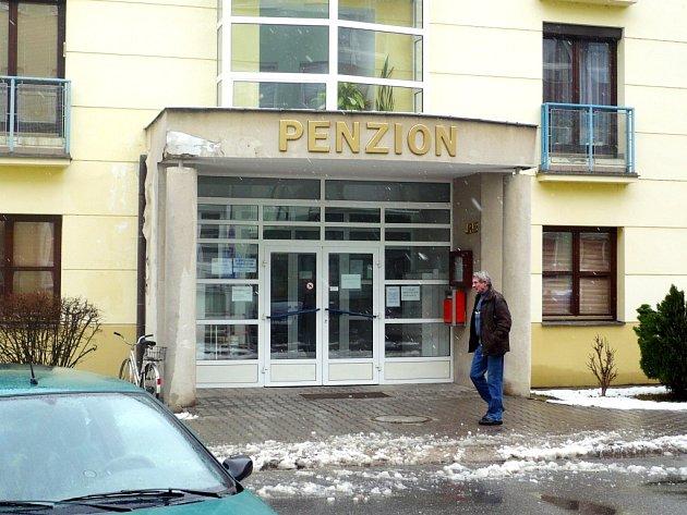 Obyvatelé penzionu vstřícnost zástupců města, kteří jim chtějí vrátit finanční dary, ocenili.