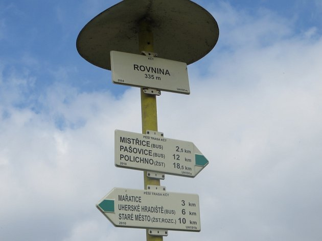 První zastávka je na kopci Rovnina.