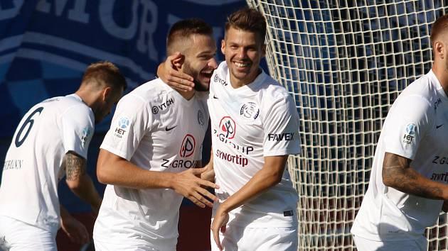 1. FC Slovácko. Na snímku se radují zleva Tomáš Zajíc a Jan Navrátil.