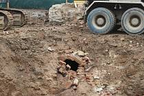 Staveniště před Klubem kultury v Uherském Hradišti vydalo několik vzácných nálezů.