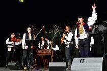 Cimbálová muzika Harafica koncertovala na Masarykově náměstí.