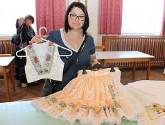 Na III. ročníku burzy krojů vKunovicích se prezentovalo 25 vystavovatelů a tvůrců lidových oděvů.