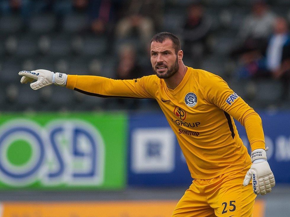 Zápas 11. kola první fotbalové ligy mezi týmy FK Jablonec a FC Slovácko se odehrál 7. října na stadionu Střelnice v Jablonci nad Nisou. Na snímku je brankář Michal Daněk.