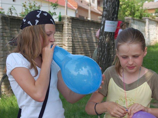 Nafukovací balónky byly vítaným suvenýrem.
