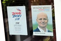 Podepisování petičních archů pro prezidentské volby v Nivnici.