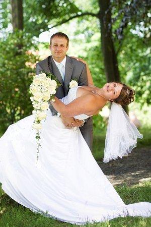 Soutěžní svatební pár číslo 127 - Martin a Lenka Holubovi, Horažďovice.