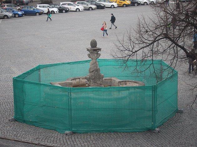 Oprav se po kašně na Mariánském náměstí v Uherském Hradišti dočká také kašna na Masarykově náměstí.