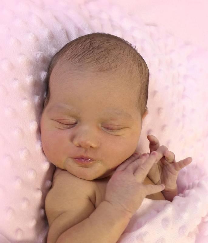 Emma Malinová, Uherské Hradiště, narozena 25. března 2021 v Uherském Hradišti, míra 52 cm, váha 3410 g