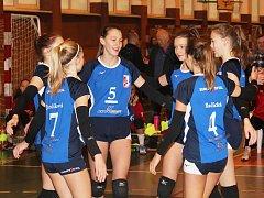Volejbalové starší žákyně Slovácké Slavie Uherské Hradiště se probojovaly mezi elitních osm týmů republiky
