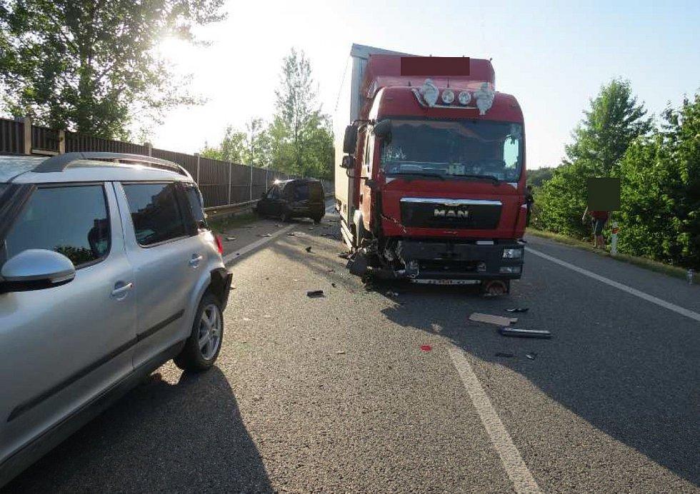 Nehody na silnice I/50 mezi Podolím a Veletinami, 27.6.2019.