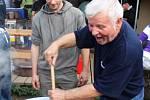 Speciality z pašíků, košt pálenek a dobrá zábava přilákaly v sobotu do skanzenu 800 návštěvníků.