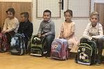 Prvňáčci ze základní školy ve Zlechově