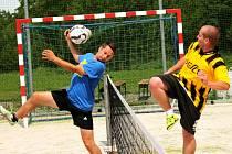 Úvodní turnaj Slovácké nohejbalové ligy se konal v Míkovicích.