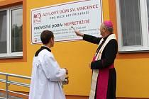 Slavnostní otevření opraveného Azylového domu sv. Vincence ve Starém Městě.