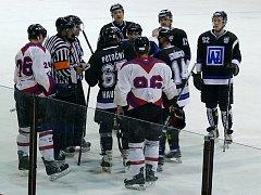 Zápas s Havířovem byl pořádně vypjatý, rozhodčí Škrobák ho příliš nezvládal.