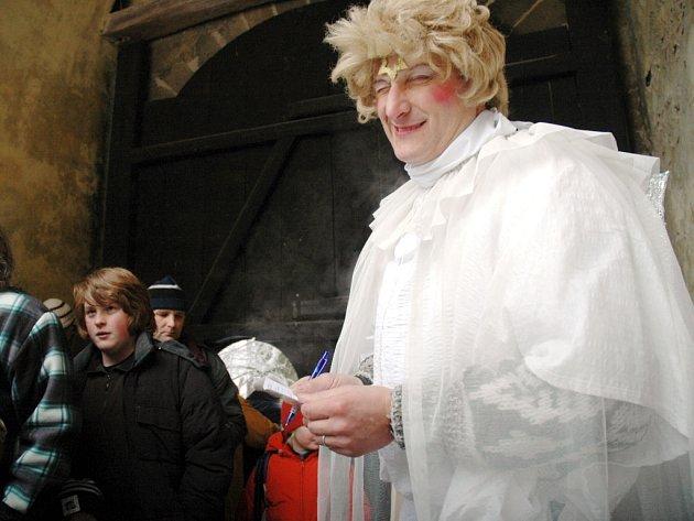 Buchlov se stal pro Jozefa Šika celoživotní láskou. Návštěvníky řady akcí vítá na hradě i v netradičních kostýmech.
