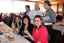 Sál Agra Zlechov se v sobotu zaplnil milovníky vína, kteří si mohli vychutnávat některý z 370 vzorků.