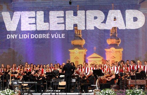 Koncert lidí dobré vůle ve Velehradě - Fiharmonie Bohuslava artinů