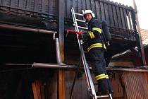 Požár balkonu v Uherském Hradišti – Sady si vyžádal zásah hasičů.