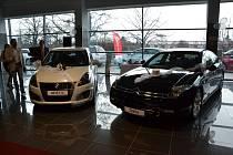 V budově bývalého OP Prostějov otevřeli v pátek oficiálně autosalon UH CAR.