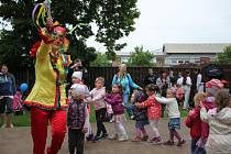 1200 dětí i dospělých prožívalo část soboty s pohádkovými bytostmi a nejen s nimi ve staroměstském kovovém zooparku.