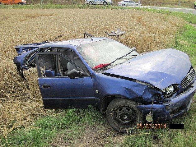 Svědci řidiče okamžitě vyprostili, na záchranu života bylo ale pozdě.