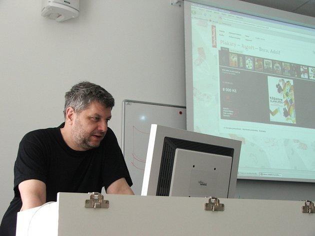Na UTB přednášel Pavel Rajčan.