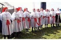 ZPĚVAČKY. Tetičky na slavnostech na Javořině v roce 2009.