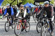 Cyklisté si mohli vybrat ze sedmi tras, pěší ze dvou.