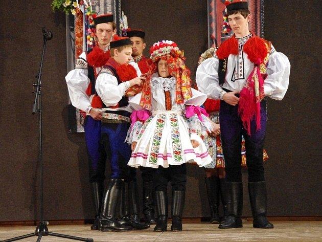 Pořad Předávání vlády králů v sobotu 24. května v Klubu sportu a kultury ve Vlčnově