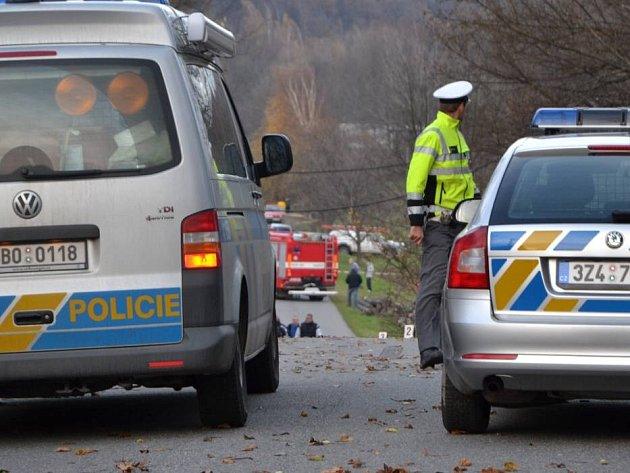 Závodní auto mezi Březovou a Lopeníkem zabilo čtyři lidi