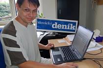 Stanislav Gabriel v redakci Slováckého deníku odpovídá na dotazy čtenářů slováckého webu.l