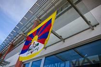 Brodské kino Máj podpořilo Tibet vyvěšením vlajky.