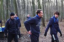 Martin Kuncl se už cítí v pořádku, běžnou běžeckou přípravu se spoluhráči (na snímku s Janem Trousilem) normálně absolvuje.