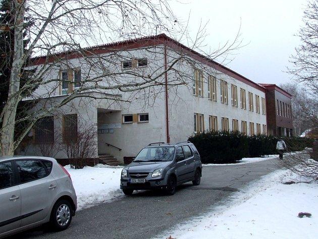 Zásadní opravy se letos dočká i úřad městyse Buchlovice.